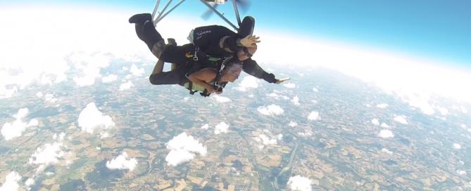 saut en parachute tandem en Occitanie, proche de moissac